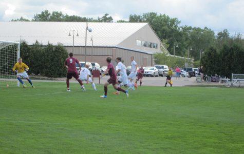 Men's soccer splits games in Cal Bergsma Tournament