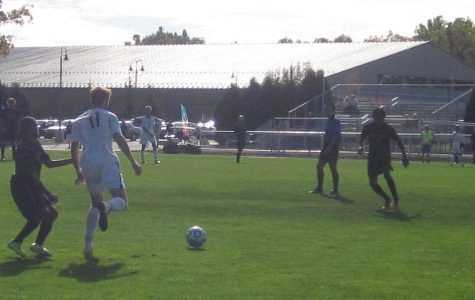Men's soccer extends winning streak to seven games