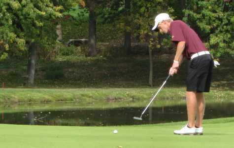 Men's golf maintains lead in MIAA