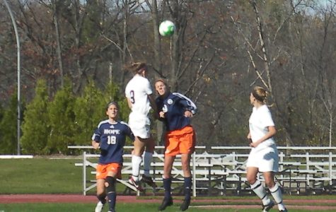 Women's soccer clinches share of MIAA title with victory over Hope