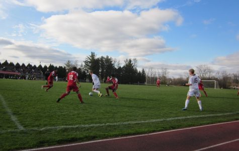 Men's soccer downs Olivet, moves to NCAA tournament