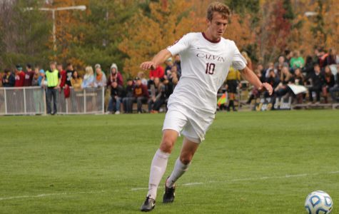 Men's soccer defeated by DePauw