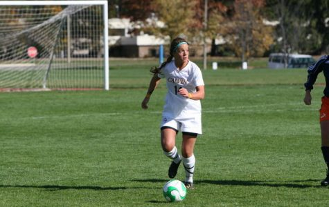 Women's soccer improves to 5-1-1