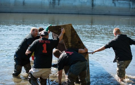 Hundreds unite for mayors' Grand River cleanup