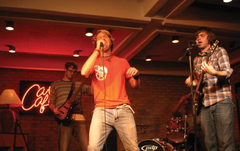 Cave Cafe promotes student bands on campus
