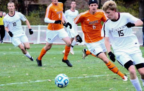 Men's soccer falls to Hope in shootout after double overtime in MIAA tourney final