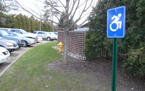 Calvin to update accessibility signs around campus
