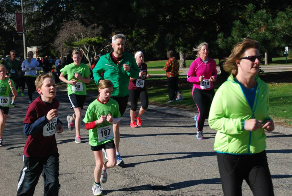 Photo+Courtesy+Calvin+5k+Spring+Classic+%26+Karen+Muyskens+Family+Fun+Run