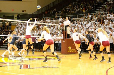 Women's volleyball advances to Elite Eight