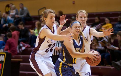 Women's basketball undefeated at halfway point