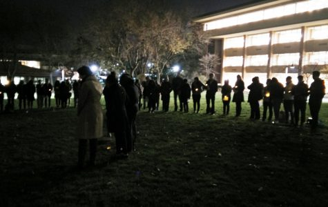 Calvin supports Mizzou students with candlelight vigil