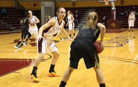 Women's Basketball Rolls over Adrian College