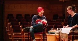 Professor Jane Zwart interviews Zadie Smith. Photo by Lisa Beth Anderson.