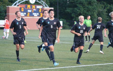 Men's soccer defeats Hope