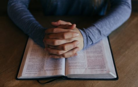Grasping God's hands: new ministry emphasizes different types of prayer