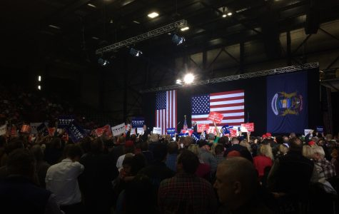 Trump chases Grand Rapids votes with last-minute campaign stop