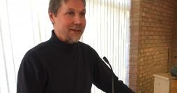 Ted Lewis, restorative trainer, speaks at Calvin. Photo by Luke Enders.
