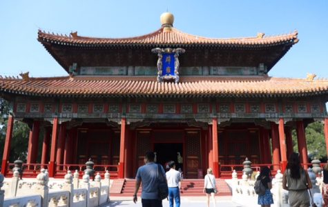 Students experience Chinese houses of worship