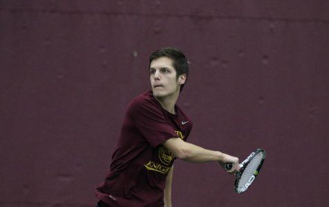 Men's tennis sweeps weekend in Wis.
