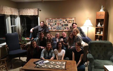 Pre-health students encounter Navajo culture on spring break trip
