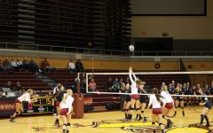 Women's volleyball, men's soccer remain undefeated