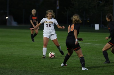 Women's Soccer Kicks off Conference with a Win