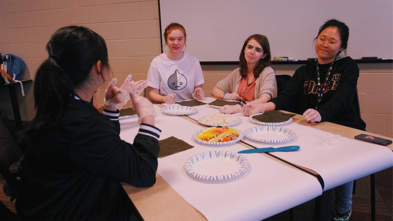 Students at Calvin LiNK Kimbap event last year.