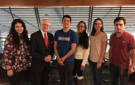 Former US ambassador to Qatar shares meal and life experiences with students