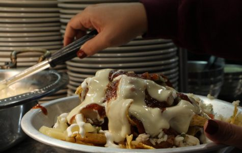 Unlimited meal plans keep dining hall food consumption stable