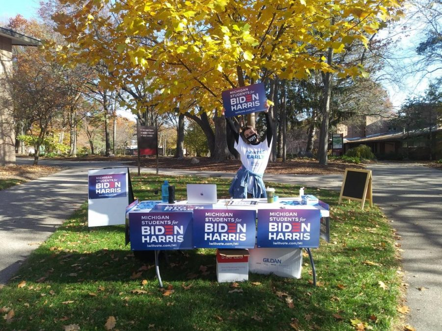 Students for Biden members outside of Commons Dining Hall throughout the day, encouraging students to vote.