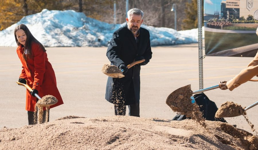 President Le Roy and Prof. Stansbury break ground for the $22.25 million School of Business.